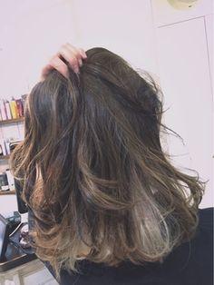 ローライト×インナーカラー/novere (ノべリ)をご紹介。2016年秋の最新ヘアスタイルを100万点以上掲載!ミディアム、ショート、ボブなど豊富な条件でヘアスタイル・髪型・アレンジをチェック。
