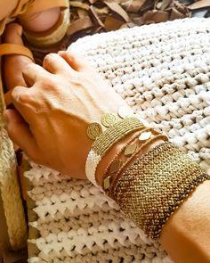 brown and gold macrame bracelets Macrame Bracelet Patterns, Macrame Rings, Bead Loom Bracelets, Macrame Necklace, Macrame Jewelry, Macrame Bracelets, Handmade Bracelets, Friendship Bracelets Designs, Bracelet Designs