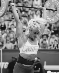 Sara Sigmundsdóttir at the 2016 Crossfit Games | Double DT. She is the Third fittest woman on Earth | 2015 and 2016 Meridian Regional champion, above all an exceptional athlete