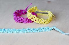 How To Crochet a Pretty Summer Flower Bracelet - DIY Style Tutorial - Guidecentral Knitting Stitches, Knitting Patterns, Crochet Patterns, Crochet Double, Needle Tatting, Crochet Baby Clothes, Crochet Bracelet, Bracelet Tutorial, Crochet Accessories