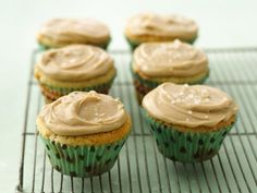 Daily Cupcake Recipe : butterscotch with salted caramel frosting