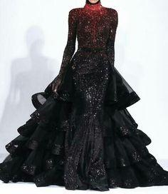 OH so stunning Michael Cinco Fall looks like Katniss everdeen. Pretty Outfits, Pretty Dresses, Awesome Dresses, Michael Cinco, Fantasy Dress, Fantasy Hair, Fantasy Makeup, Dark Fantasy, Prom Dresses