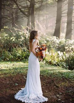 Outdoor Wedding Pictures, Wedding Picture Poses, Wedding Dress Pictures, Bridal Pictures, Wedding Photography Poses, Wedding Poses, Wedding Portraits, Wedding Family Photos, Bridal Portraits Outdoor