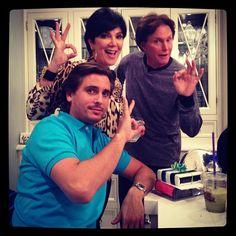 https://i.pinimg.com/236x/5e/23/1c/5e231cf46cdc536e8e3f7e1fc1e9a0b6--kardashian-family-kardashian-jenner.jpg
