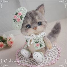 Adorable needle felted kitten by citona2 from Japan