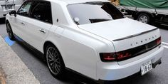 Bad phone images of a mysterious Toyota Century 'GR Sport' mule have been circulating on Twitter for days. The definitive proof soon followed from Toyota President Mr. Akio Toyoda himself, how decided to roll up to a regular press conference in Tokyo, chauffeured in the white Century GRMN mule. As the Japanese Best Car Web reports, Akio has been talking about the possibility of a hotter new Century before, and with the GRMN brand getting more and more important for Toyota, nothing seems to… Lexus Cars, Jdm Cars, Toyota Century, Raptor Truck, Classic Japanese Cars, Car Photos, Cars And Motorcycles, Phone, Iron Ore