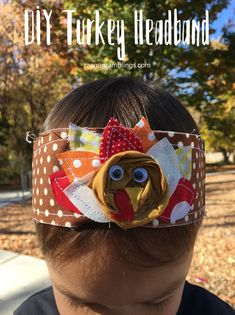 Adorable 15 minute Fabric Turkey Headband tutorial perfect for Thanksgiving. Great free pattern and scrap busting project perfect for kids and adults. Beginner Sewing Patterns, Easy Sewing Projects, Sewing Projects For Beginners, Sewing Hacks, Sewing Tutorials, Sewing Tips, Diy Projects, Thanksgiving Projects, Headband Tutorial