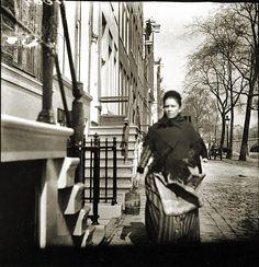 Amsterdam. Singel bij de Warmoesgracht, foto door G.H. Breitner, voor 1894