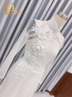 Ao Dai Wedding, Ao Dai Vietnam, Dress Neck Designs, Indian Designer Outfits, Wedding Dresses, Fashion, Wedding Gowns, Boyfriends, Bride Dresses
