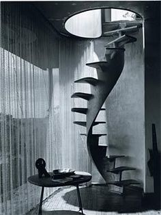 Max Dupain, Spiral staircase, Buhrich house, 1960, architect Hugh Buhrich.