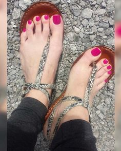 Xquisitetoes feet sexy feet, feet nails и beautiful toes Beautiful Toes, Lovely Legs, Cute Toes, Pretty Toes, Feet Soles, Women's Feet, Jamel Shabazz, Pink Pedicure, Cute Pedicures