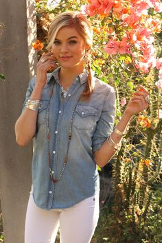 #Chambray shirt + white jeans + Silpada silver = cool and casual summer style! #WomensFashion