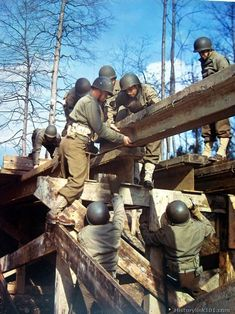 Training Maneuvers. Army engineers constructing a bridge. USA 1944