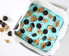 How to make easy, Cookie Monster fudge! How to make easy, Cookie Monster fudge! Fudge Recipes, Baking Recipes, Dessert Recipes, Baking Pan, Candy Recipes, Filled Cookies, Blue Cookies, Yummy Treats, Sweet Treats