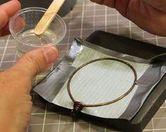 Make a Transparent Resin Frame (Technique) - Lima Beads