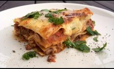 Paras koti-lasagne for ever Egg Muffins, Sauerkraut, Feta, Risotto, Spinach, Recipies, Paleo, Food And Drink, Ethnic Recipes