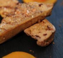 Recette - Foie gras poché aux vendanges tardives, butternut, coings et verveine - Proposée par 750 grammes