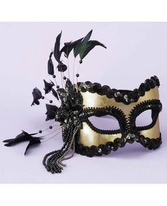 Karnival Mask -Bring elegance and mystery to any costume or to the bedroom with this beautiful black and gold mask. l O-Play