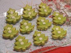 Pudinkové stromečky Christmas Cookies Kids, Christmas Party Food, Cookies For Kids, Xmas Cookies, Christmas Candy, Gingerbread Cookies, Baking Cupcakes, Cupcake Cakes, Low Carb Brasil
