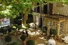 Hotel d'Europe is in a building in the heart of Avignon, just a walk from both the Palais des Papes and Avignon Bridge. Courtyard Restaurant, Holidays France, Small Luxury Hotels, Le Palais, Provence France, French Countryside, At The Hotel, South Of France, Week End