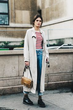 PFW-Paris_Fashion_Week-Spring_Summer_2016-Street_Style-Say_Cheese-Trench_Coat-Chloe_Bag-Striped_Top-Jeans-3-790x1185.jpg (790×1185)