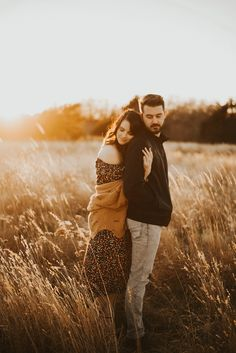 couples photography, sunset, couples outfit, couples style, engagement photography, tall grass, outdoors, wichita ks, love