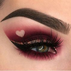 Matte cranberry eyeshadow look