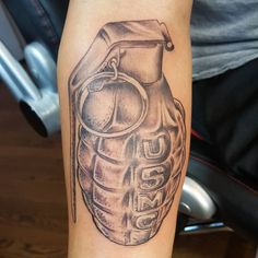 No matter what design you choose for your marine tattoo, planning is very important. Looking at other marine tattoo ideas can help you make your decision. Us Marine Corps, Marine Corps Emblem, Marine Tattoo, Patriotic Tattoos, Freedom Of Religion, Neue Tattoos, S Tattoo, Tattoo Models, Tattoo Designs Men