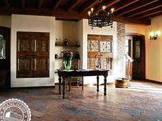 Antiche Porte Riutilizzate E Pavimento In Cotto Di Recupero Find This Pin And More On Rustic Italian Farmhouse Decor