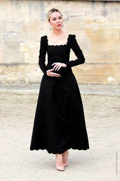 hur man väljer rätt skor för svart klänning 10 basta outfits