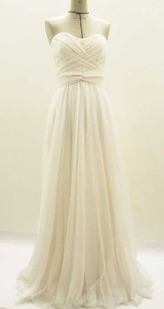 Gorgeous wedding dress!!!!!!!!!!!!!!!!!!! simple and mine!!!!!!!!!!!!!!!!!!!!!!!!!!!!!!!!!!!!!!!!!!!!!1