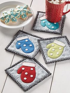 Glorious All Time Favorite Sewing Projects Ideas. All Time Favorite Top Sewing Projects Ideas. Diy Craft Projects, Christmas Sewing Projects, Quilted Coasters, Fabric Coasters, Mug Rug Patterns, Sewing Patterns Free, Quilt Patterns, Canvas Patterns, Christmas Mug Rugs