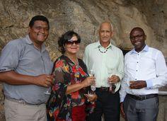 Morne Pietersen, Maryke Wicomb, Garnett Wicomb en Mtobeko Mangqwengqwe. Couple Photos, Couples, Couple Shots, Couple Photography, Couple, Couple Pictures