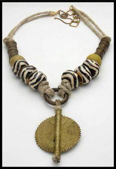 Chunky Jewelry, Tribal Jewelry, Bohemian Jewelry, Jewelry Art, Beaded Jewelry, Jewelry Necklaces, Jewelry Design, Beaded Necklace, Bohemian Gypsy