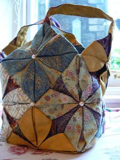 Sun Rose sewing bag	  by fifiquilter