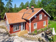 Historiska hem Orange House, Scandinavian Countries, Home Fashion, House Tours, Modern, House Ideas, Cabin, Country, House Styles