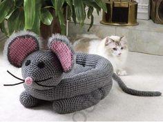 Möchten Sie etwas Schönes für Ihre Katze basteln? Die schönsten Katzenhäuser zum Häkeln!