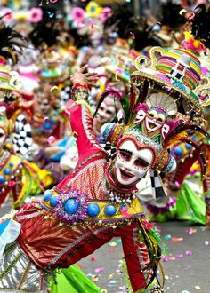 Maskara Festival Dancer, Bacolod,Philippines - takes place every third weekend of October nearest to October Les Philippines, Philippines Culture, Philippines Travel, We Are The World, People Around The World, Wonders Of The World, Around The Worlds, Masskara Festival, World Festival