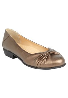 Cheri Flat by Comfortview ® Signature Sole