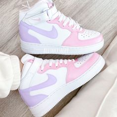 Dr Shoes, Cute Nike Shoes, Swag Shoes, Cute Nikes, Cute Sneakers, Nike Air Shoes, Hype Shoes, Pink Nike Shoes, Sneakers Nike