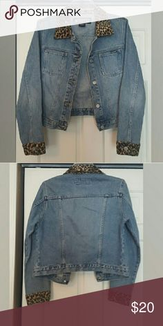 Stephen Hardy Jean Jacket Stephen Hardy Jean Jacket with soft Leopard collar and cuffs. Stephen Hardy Jackets & Coats Jean Jackets