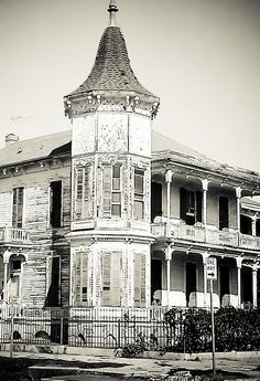 Dilapidated Mansion in Galveston