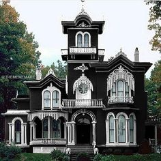 Home Sweet Hell 🥀>>>Hell? Looks like a second empire heaven😍😍 Victorian Architecture, Beautiful Architecture, Beautiful Buildings, Black Architecture, Home Sweet Hell, Victorian Style Homes, Victorian Gothic Decor, Gothic Interior, Goth Home Decor