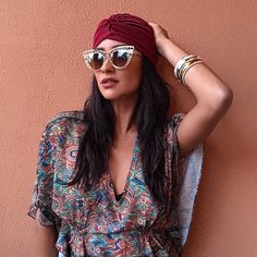 Shay travelling the world fashionably. | Pretty Little Liars
