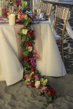 #wedding #flowers #flower #ideas #inspiration #unique #best #pretty #original #design #bouquet #decoration #ceremony #reception #table #destination #beach #tropical