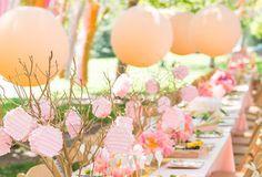 Decoración para Baby Shower con globos naranjas