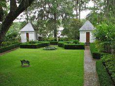 Notable Beaufort gardens on tour – Beaufort South Carolina The Island News Formal Gardens, Outdoor Gardens, Amazing Gardens, Beautiful Gardens, Garden Architecture, Elements Of Style, Garden Structures, Dream Garden, Garden Landscaping