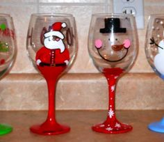Hand Painted Wine Glasses Christmas Diy: hand painted wine glasses!!! xmas edition!