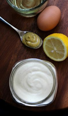 Whole30 Paleo easy homemade mayo recipe using just 4 ingredients and an immersion blender for healthy dip or dressing ready in 5 minutes.