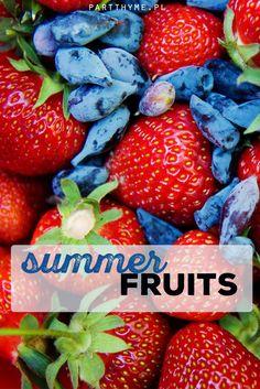 Summer #fruits / Letnie owoce - #ogród w czerwcu - #truskawki i jagoda kamczacka